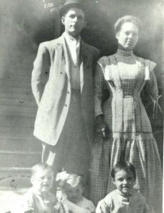 Amos Crane and Minnie White with Horace, Minnie Ellen, and Frank