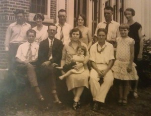 seated from left Tommy, Amos Sr, Minnie, Amos Jr, Minnie Ellen. Standing Toots Peterson, Evelyn, Horace, Horace wife, Frank, Willie
