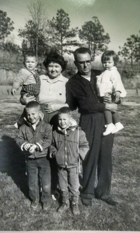 earl, ina, and grandchildren